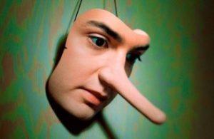 Señales para poder descrubrir a una persona mentirosa